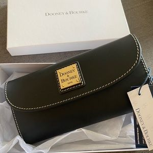 Dooney & Bourke wallet. New with tags, never used.